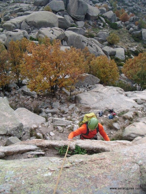 escalada Sirio Yelmo Pedriza 4 SERAC COMPAÑÍA DE GUÍAS