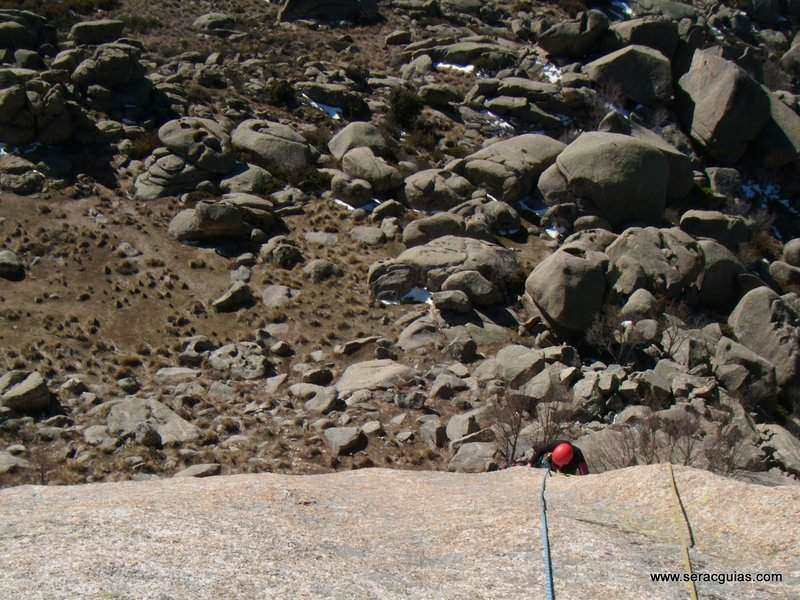 escalada Walkiria Yelmo Pedriza 3 SERAC COMPAÑÍA DE GUÍAS