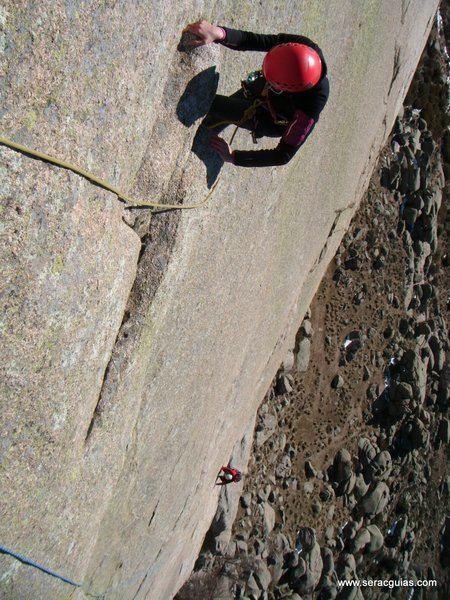 escalada Walkiria Yelmo Pedriza 5 SERAC COMPAÑÍA DE GUÍAS