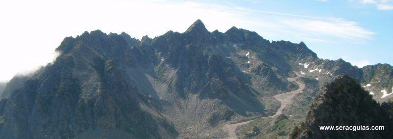 escalada cresta arista hautes pyrenees pirineo 11 SERAC COMPAÑÍA DE GUÍAS