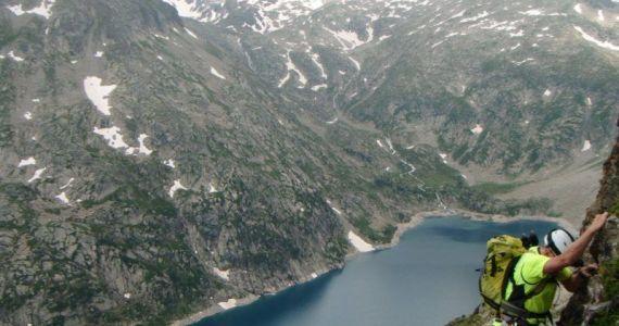 escalada cresta arista hautes pyrenees pirineo 2 SERAC COMPAÑÍA DE GUÍAS