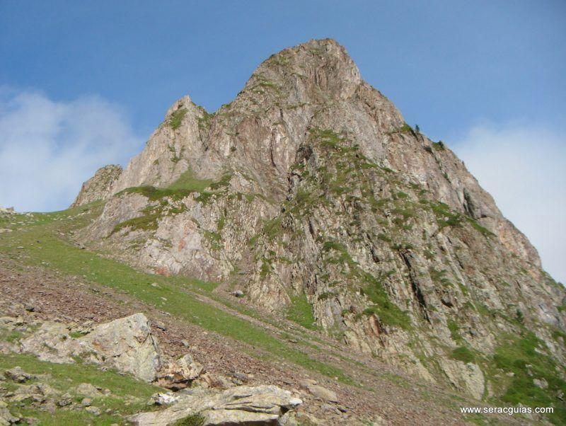escalada cresta arista hautes pyrenees pirineo 8 SERAC COMPAÑÍA DE GUÍAS