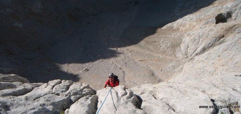 escalada arista cresta picos de europa 10 SERAC COMPAÑÍA DE GUÍAS