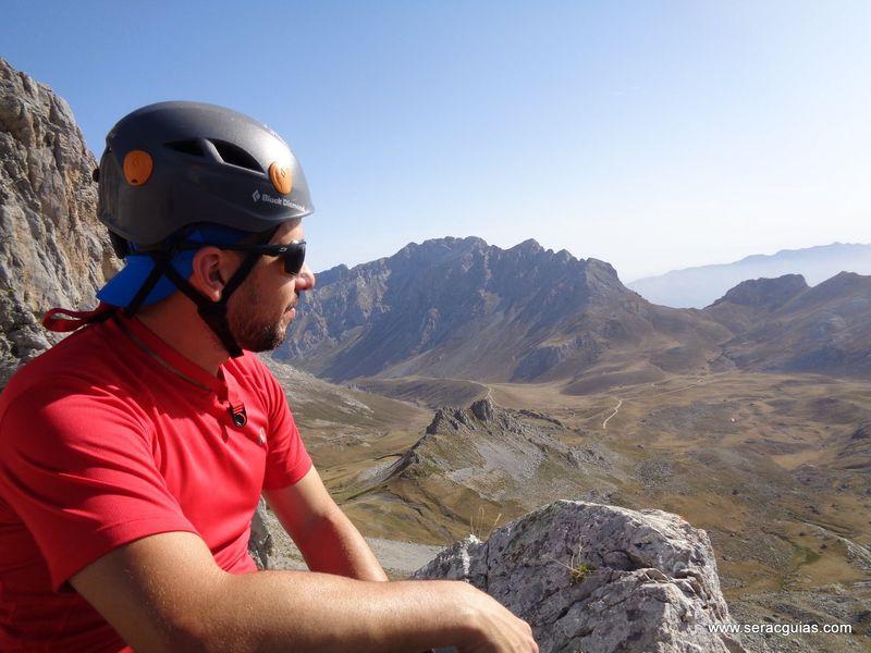escalada arista cresta picos de europa 8 SERAC COMPAÑÍA DE GUÍAS