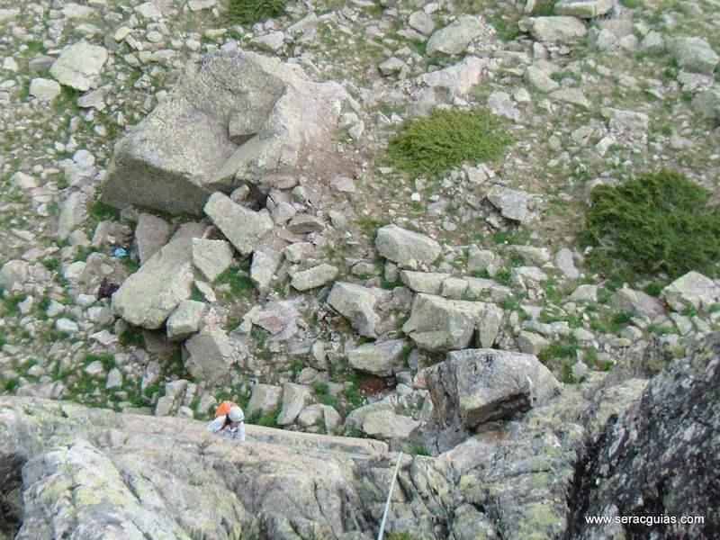 escalada 8 Peñalara Sierra de Guadarrama Madrid SERAC COMPAÑÍA DE GUÍAS