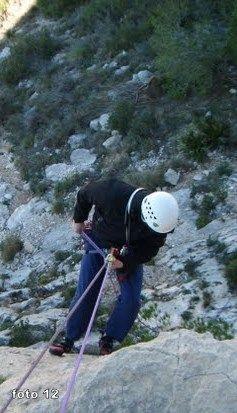 caminar hacia atras rapel escalada alpinismo SERAC COMPAÑÍA DE GUÍAS