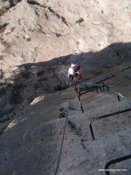 escalar ferrata 1 SERAC COMPAÑÍA DE GUÍAS