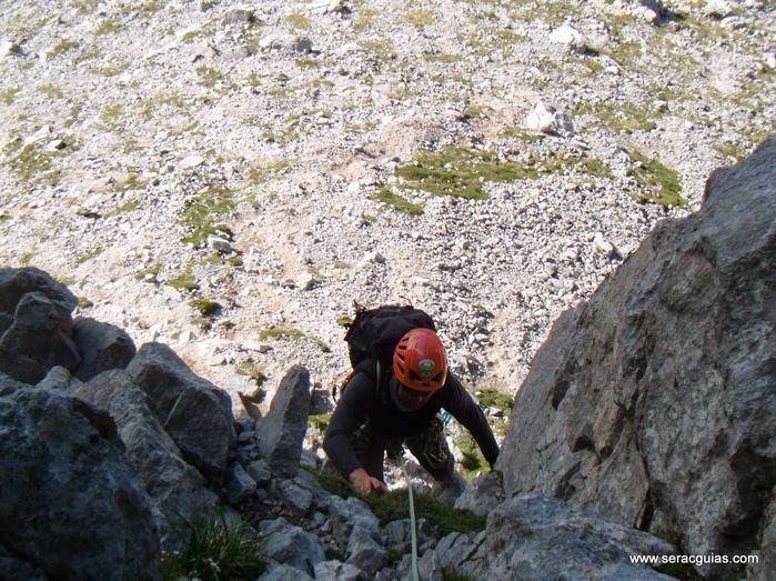 Aguja Escondida 2 Picos de Europa SERAC COMPAÑÍA DE GUÍAS