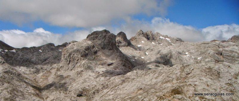 Aguja Escondida 8 Picos de Europa SERAC COMPAÑÍA DE GUÍAS