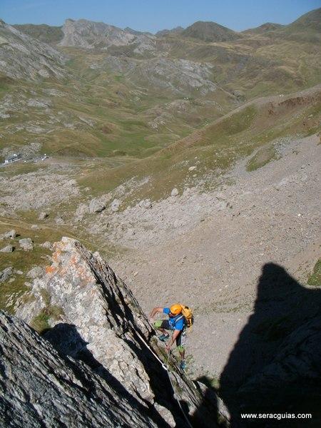 Aguja Portalet 3 Valle Tena Pirineo SERAC COMPAÑÍA DE GUÍAS