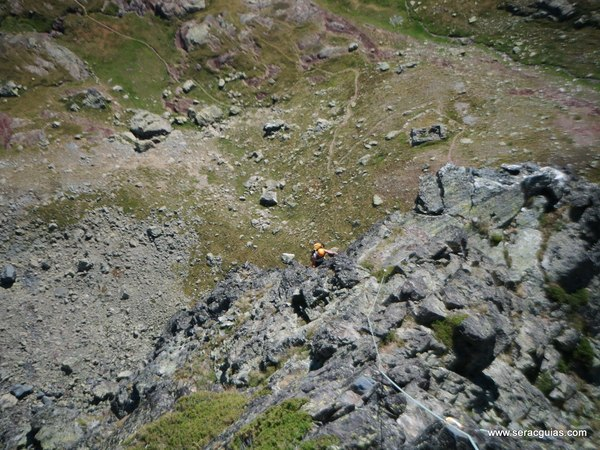 Balcones Anayet 5 Valle Tena Pirineo SERAC COMPAÑÍA DE GUÍAS