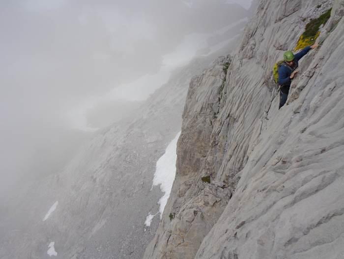 escalada Martingada San Carlos Picos de Europa 2 SERAC COMPAÑÍA DE GUÍAS
