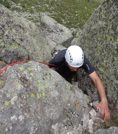 escalada Mogoteras Peñotillo Guadarrama 5 SERAC COMPAÑÍA DE GUÍAS