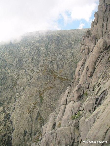 escalada Gilette Berroqueras Galayos Gredos 4 SERAC COMPAÑÍA DE GUÍAS