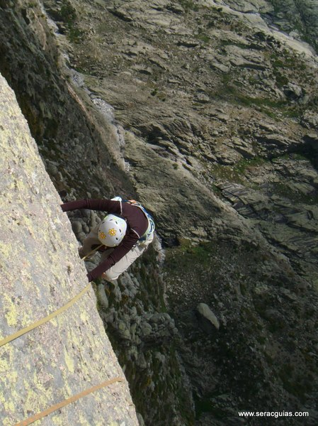 escalada Gilette Berroqueras Galayos Gredos 5 SERAC COMPAÑÍA DE GUÍAS