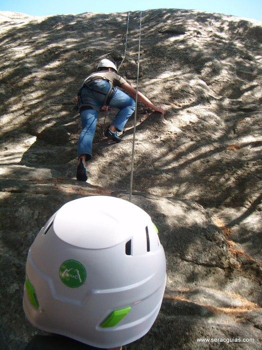 casco iniciacion escalada SERAC COMPAÑÍA DE GUÍAS
