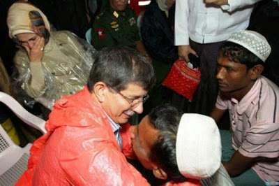 Ketika Indonesia dan Malaysia Tolak Pengsungsi Rohingya, Turki Kirim Angkatan Laut Bantu Mereka