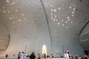 Memasuki-Masjid-Anda-Akan-Merasa-Seperti-di-Luar-Angkasa6