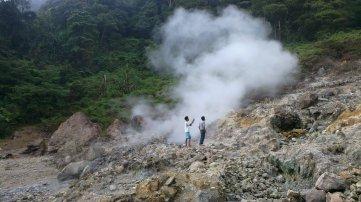 Kawah Belerang Gunung Pulosari.