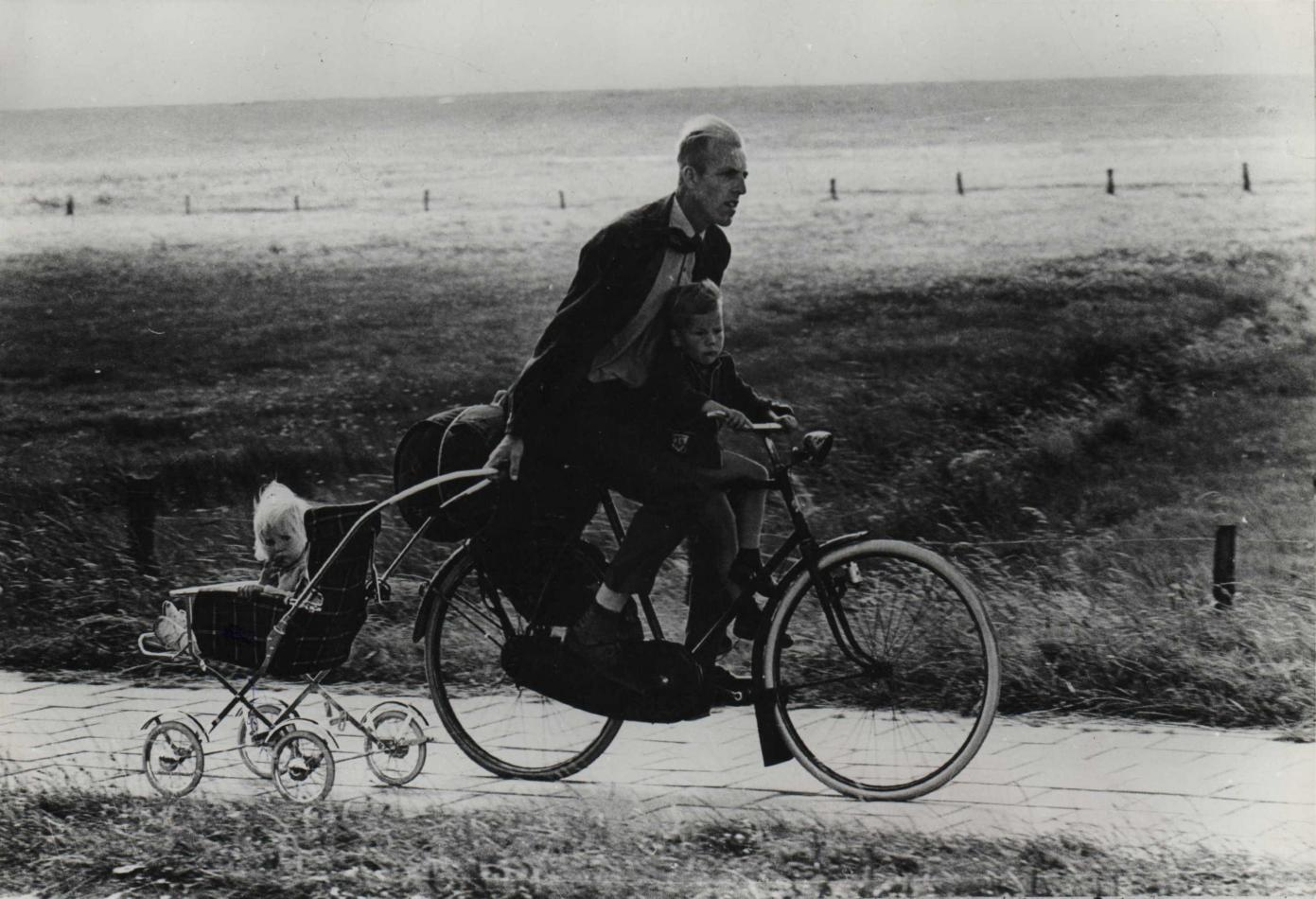 23 - c. 1966. A father in Netherlands. Photo by Rudy Herzog.