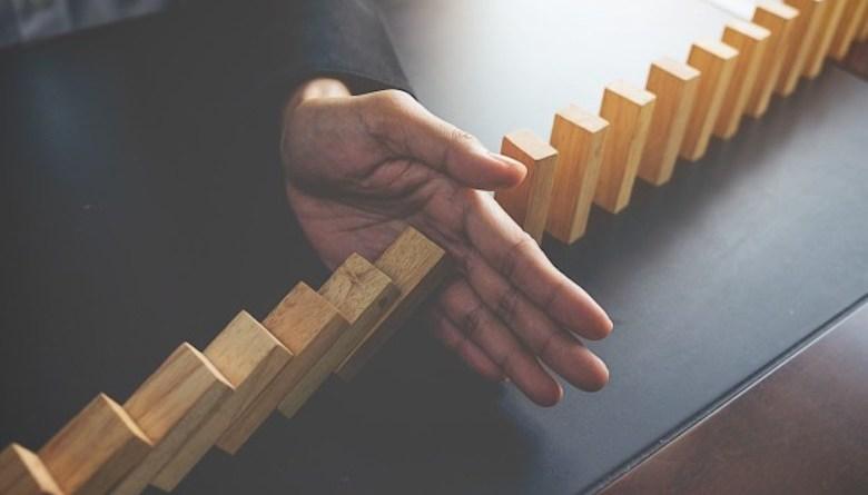 Memecahkan-2BMasalah-problem-solving-of-business-woman