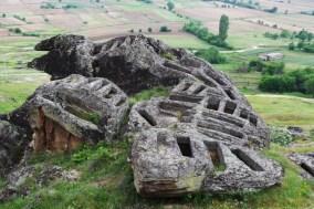 Камене гробнице