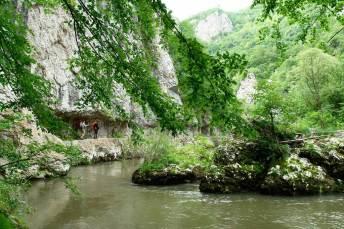 Са воде, пешачка стаза личи на Трајанов пут