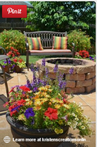 vas ornamental cu flori