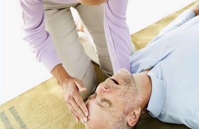 первая помощь при геморрагическом инсульте
