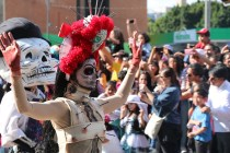Desfile dia de muertos 2016 en Ciudad de Mexico - day of the dead parade in Mexico City