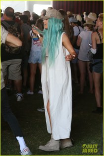 kendall-kylie-jenner-celebrate-siblings-day-at-coachella-22