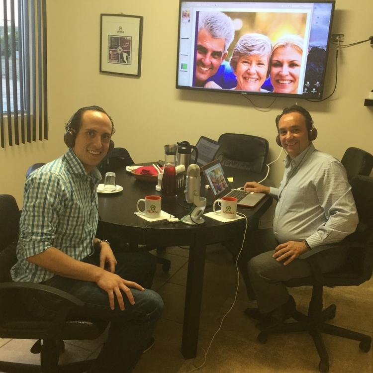 Director de Serena Miguel Angel Torres, participando en el podcast de algo diferente