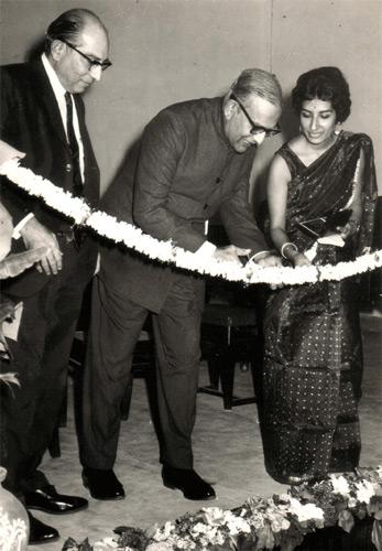 Gov Dias, Lolita Mayadas Principal and Mr Antia President inaugurating new Sunny Park premises, 1972