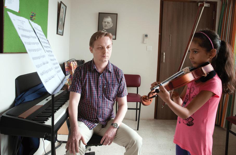 Violin Lessons at NCPA Special Music School © NCPA Mumbai