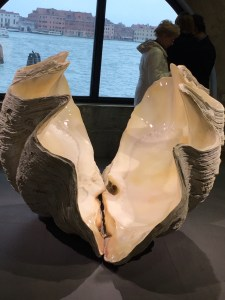 Concha bivalve Damien Hirst by Serena Ucelli
