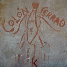 Un graffiti Abakuá dans une rue adjacente à la calle San Lazaro, 2017.
