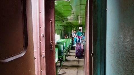 Un beau dégradé de vert pour le deuxième et dernier wagon de passagers.