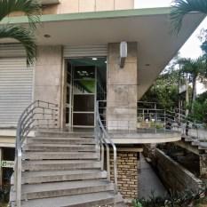 Banque sur la Rampa : une bonne adresse avec ses multiples distributeurs dispo 24h sur 24.