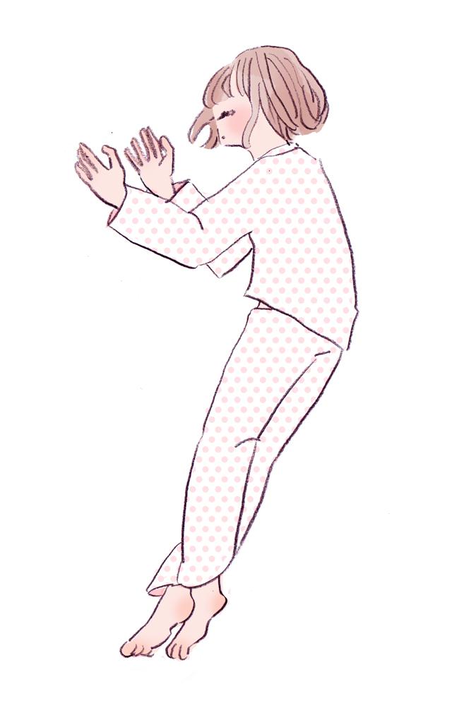 手やくるぶしをクロスする寝相(囚人型)