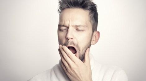 ¿Por qué bostezamos cuando vemos a otros bostezar?