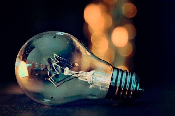 cosas que no debes tirar a la basura - bombillas