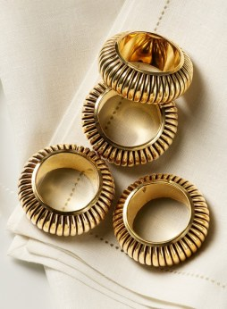 polished-brass-napkin-ring-set-of-4_nw-4575_mag_1