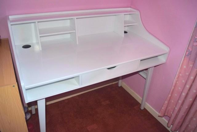 Songmics White Desk Review