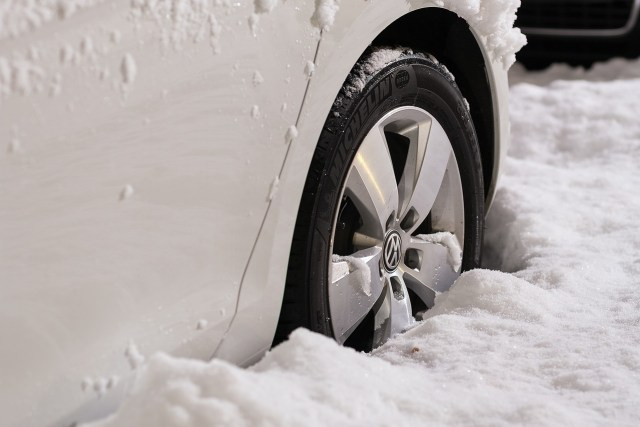 keep your car maintained in winter