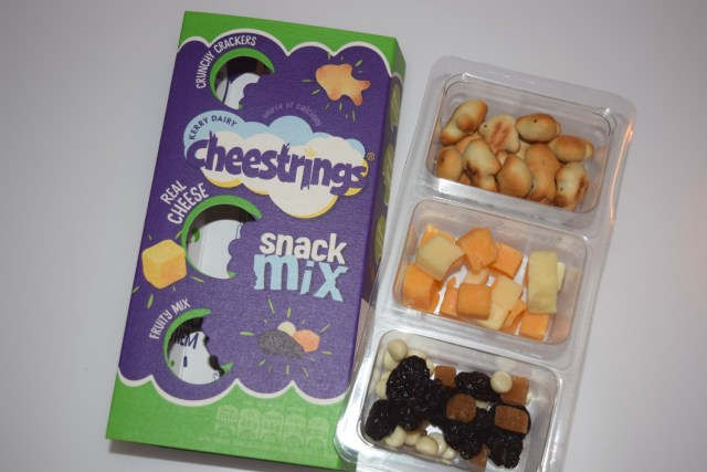 Cheesestrings Snack Mix