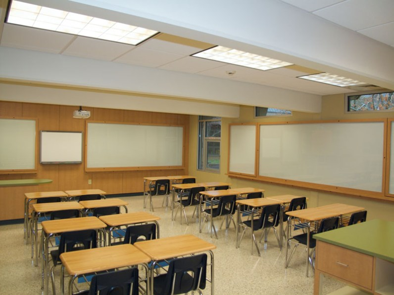 southeasternproducts-st-joseph-school-classroom-03