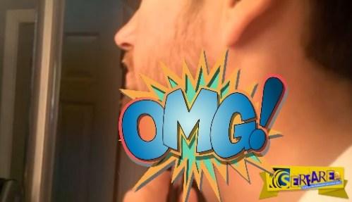 Αηδιαστικό! Ο τύπος αφαιρεί μια εσωτερική τρίχα από το λαιμό του!