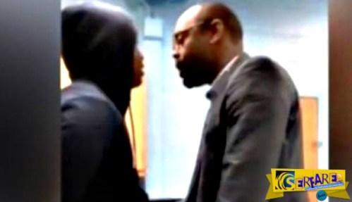 Ένας φοιτητής χτυπά τον δάσκαλο του μέσα στην τάξη – Δείτε την αντίδραση του…