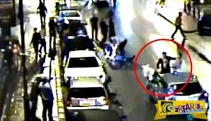 Εικόνες σοκ! Απίστευτος καυγάς έξω από μπαρ – Πιάστηκαν στα χέρια για τα μάτια μιας γυναίκας!