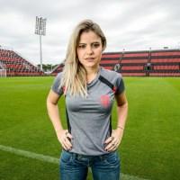 """""""As pessoas tinham um pouco de vergonha de serem preconceituosas"""", diz Nivinha sobre o machismo no futebol"""